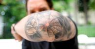 tatuajes en el codo para hombre y mujer